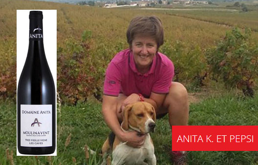 Anita Kuhnel avec Pepsi dans les vignes pour Lindaboie.jpg