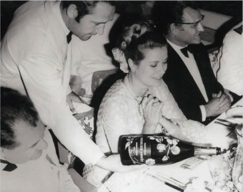 Perrier-Jouët et Grace Kelly.jpg